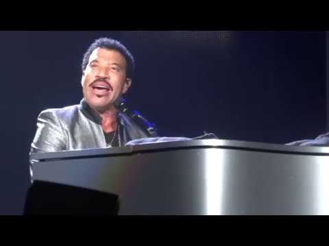''Three Times A Lady'' - Lionel Richie - Prudential Center - Newark, New Jersey - August 18th, 2017