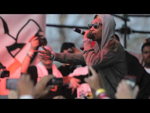 Big Sean & Wiz Khalifa - Gang Bang (Live At Sunday Swagger)