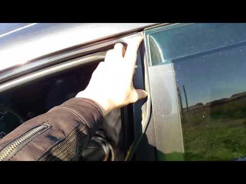 Toyota Corolla. Дополнительный уплотнитель дверей.