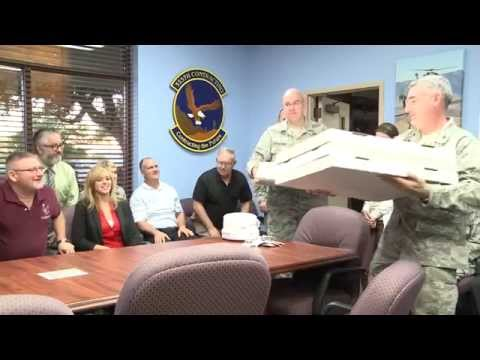 Senior Leaders Bring Pizza to Airmen