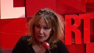 Clémentine Célarié ne regrette pas son geste envers Florian Philippot