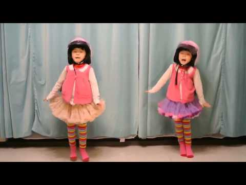 super cute twins dance cover [Crayon Pop] 크레용팝 빠빠빠(Bar Bar Bar)