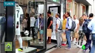 Video Locura total con la llegada de Cristiano Ronaldo a la Juve: su camiseta, agotada download MP3, 3GP, MP4, WEBM, AVI, FLV September 2018