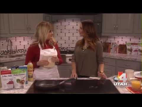 sugar-free-oatmeal-almond-berry-pancakes- -xylitol