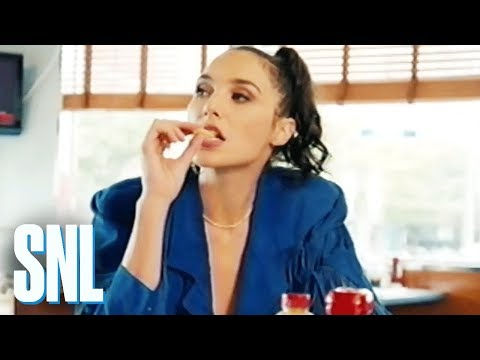 Cut for Time: The Last Fry (Gal Gadot) - SNL
