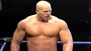 Powerlifter Nathan Jones dominates Bodybuilder Scott Steiner...MUSCLE!!