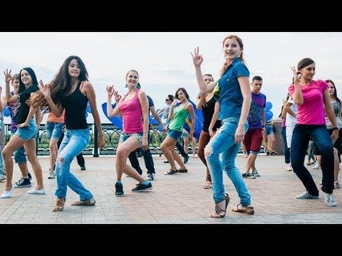 Песня БОМБА! ГОЛУБИ - Евгений Курский. Я РОДИЛСЯ В ГОРОДЕ ГДЕ ПОЮТ СОЛОВЬИ