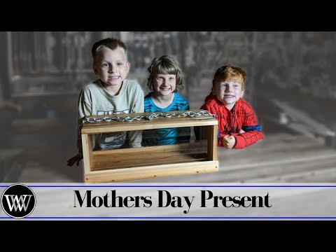 Making a Bird Feeder for Mothers Day With the Kids | Gift Idea