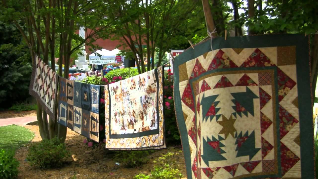 Airing of the Quilts - Franklin, North Carolina - YouTube : airing of the quilts tunkhannock pa - Adamdwight.com
