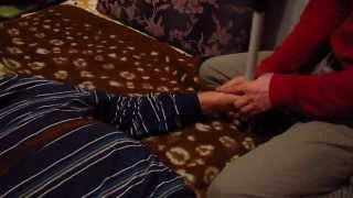 Как снять спастику в руке после инсульта(http://insult5.ru/ Как снять спастику, вернуть чувствительность и подвижность руке и ноге после инсульта, устранит..., 2013-12-15T19:55:36.000Z)