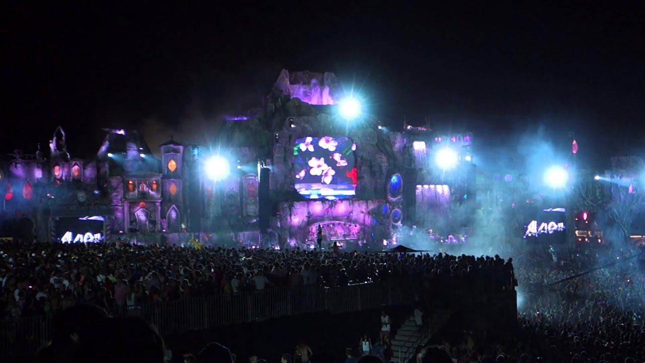 Tomorrowland 2013 Avicii Addicted to You - YouTube