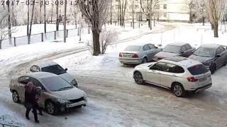 Шикарно припарковался  Прикол, Авто, авария, гололёд, прикол, лучшая парковка 2017, автокатастрофа,