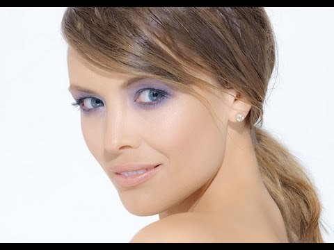 Blue Eyeshadow Makeup Tutorial with Natural Makeup
