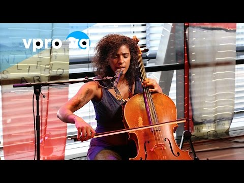 Leyla McCalla - A Day For The Hunter, A Day For The Prey (live @Bimhuis Amsterdam)