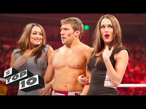 Thumbnail: Unexpected kisses: WWE Top 10