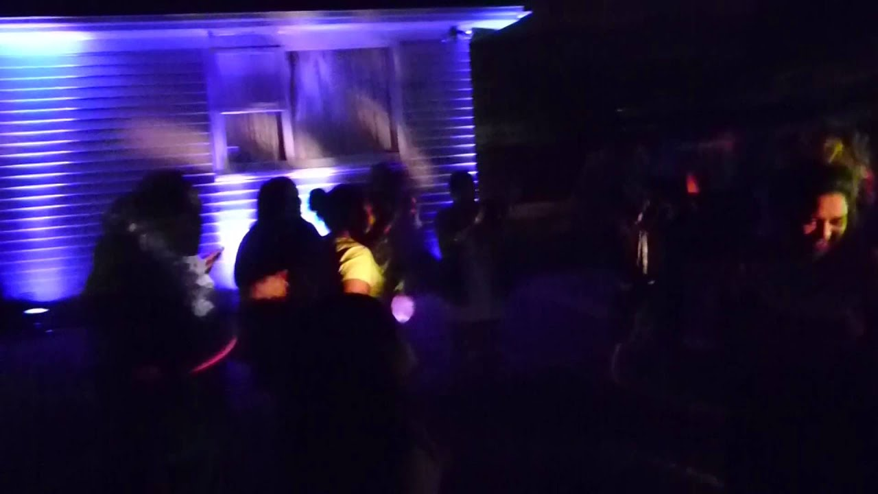 Amazing DJ and lighting best House Party NZ & Amazing DJ and lighting best House Party NZ - YouTube