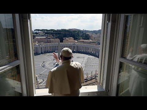 Koronavirüs: Papa Francis boş meydanı kutsadı