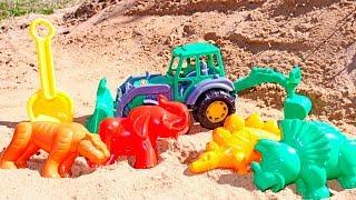 Видео для детей: Экскаватор и древние животные. Играем на улице