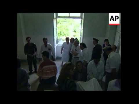 ALBANIA: TIRANA: DOCTORS & NURSES AT MILITARY HOSPITAL GO ON STRIKE