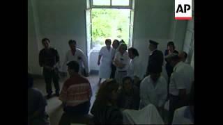 ALBANIA: TIRANA: DOCTORS & NURSES AT MILITARY HOSPITAL GO ON STRIKE