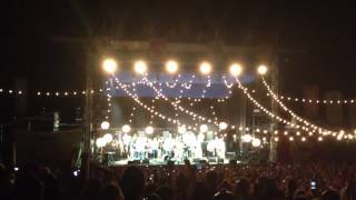 Mumford & Sons Final Encore: Take a Load Off Annie