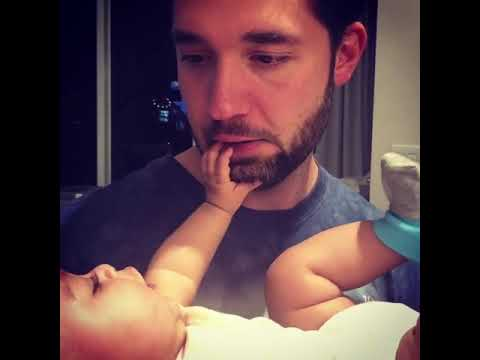 Alexis Ohanian is having fun with his daughter