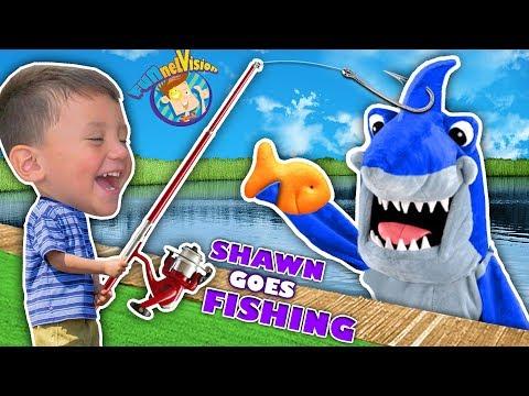 SHAWN's 1st Time FISHING!Goldfish Challenge against Shark! (FUNnel Fam Vlog)