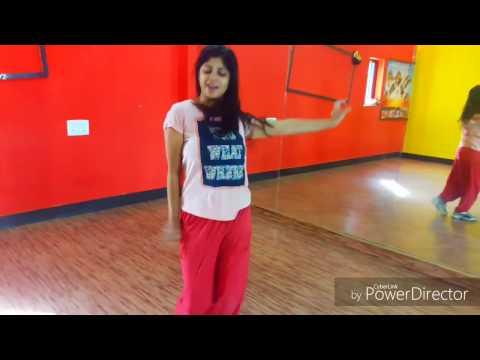 Tu Cheez Badi Hai Mast Mast | Machine movie | akshay kumar | Dance performance | MAYANK & BHUMIKA |