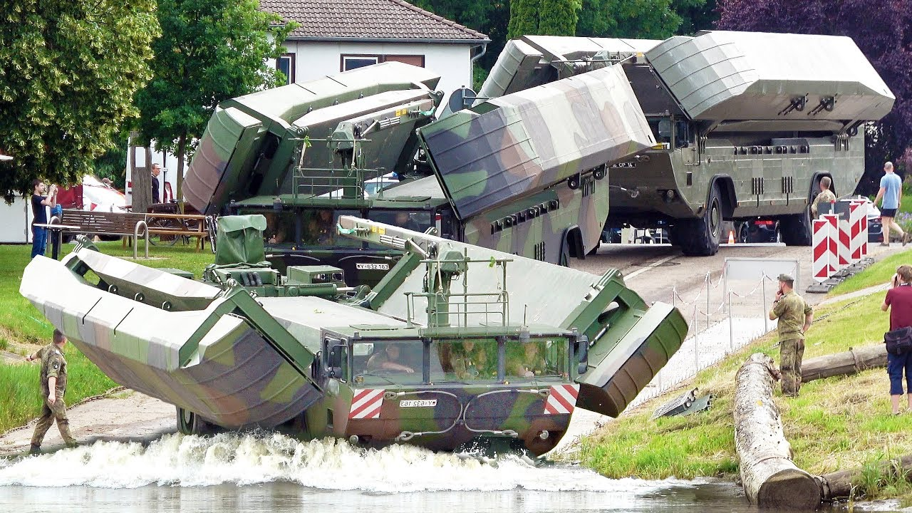 M3 Amphibious Rig driving into River | Ferry Operation