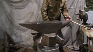 990 lb Industrial anvil