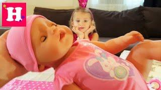 Распаковка куклы Бэби Борн и переноски-кенгуру. Baby born doll. Беби бон с аксессуарами видео.