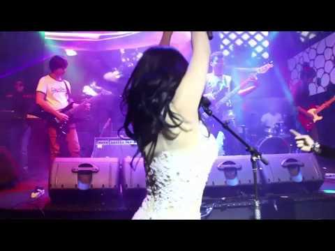 Hikayat Cinta - Dewi Perssik feat Iztambul Band