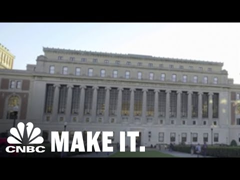 Harvard Business School Professor: Half Of US Colleges Will Be Bankrupt By 2030 | CNBC Make It.