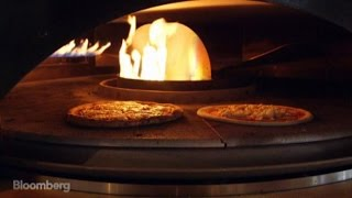 Chipotle's New Pizzeria Locale Is Cooking Up Growth at 1,000 Degrees