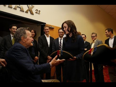 George HW Bush apologises Heather Lind for groping her