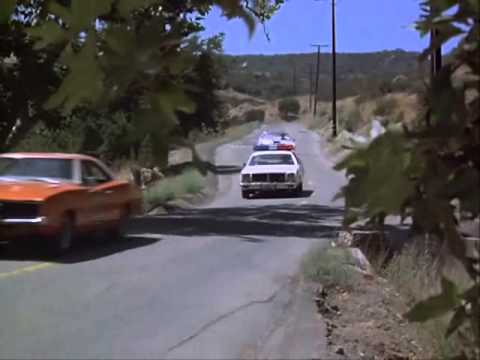 The Dukes Of Hazzard - S02E06 Scene 5
