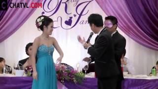 Cười vỡ bụng với đám cưới như thế này :))...xem xong chỉ muốn cưới