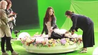 Watch Choi Ji Woo perform in 2013 LOTTE DUTY FREE Music Video!