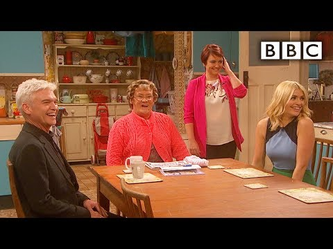Holly Willoughby and Phillip Schofield in Mrs Brown's kitchen - All Round to Mrs Brown's: Episode 2