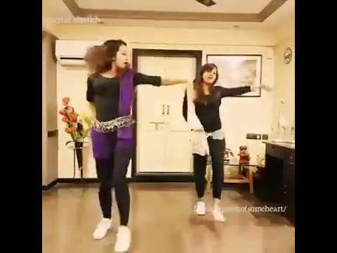 Cute girls dancing on Hyderabad Congo band