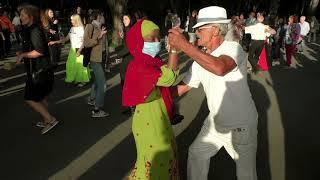 За твою красивую улыбку!!!Народные танцы,сад Шеченко,Харьков!!!