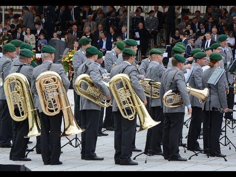 Platzkonzert - Stabsmusikkorps mit Oberstleutnant Kiauka