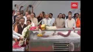 PM Narendra Modi pays tribute to VHP leader Ashok Singhal