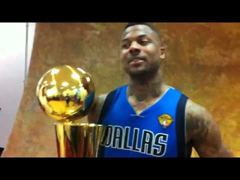 Deshawn Stevenson poses with the Larry O