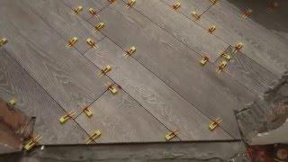 видео Плитка для пола под дерево и керамическая плитка под паркетную доску
