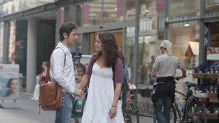 Flirten körpersprache berührungen