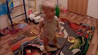 Тема танцует дискотека кому за 1 год ляля зажигает видео для детей