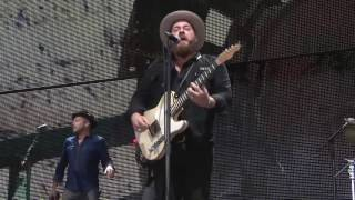 Nathaniel Rateliff & The Night Sweats – Trying So Hard Not to Know (Live at Farm Aid 2016)