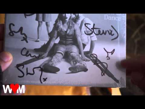 Unboxing Belle & Sebastian Autographed Girls in Peacetime Want to Dance CD