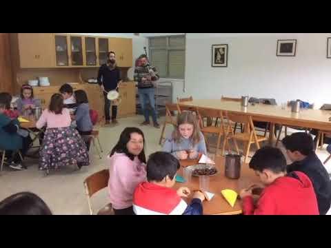Os alumnos de Begonte celebran un magosto conxunto